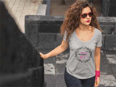 ဖက်ရှင်စတိုးရပ်ဘီရပ်ဘီသည် T-shirt